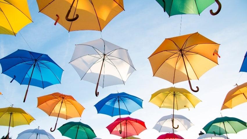Regenschirme-groß-und-klein