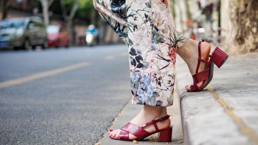 sandaletten-mit-absatz